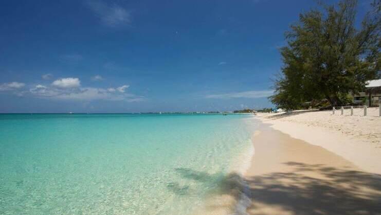 picture of seven mile beach