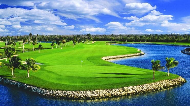 picture of golf course
