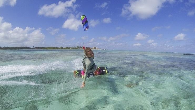 picture of women kitesurfing
