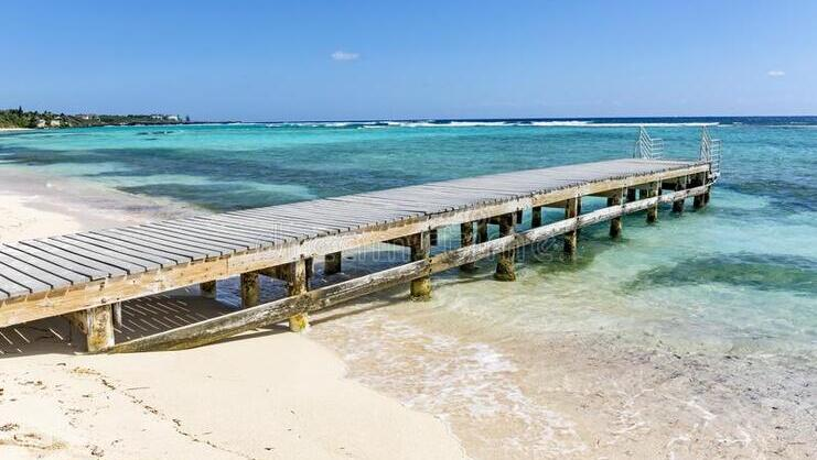 picture of dock at spotts beach