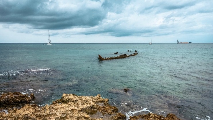 picture of wreck of the gamma from shore