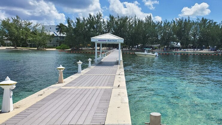 picture of dock at rum point